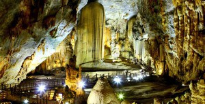 paradise cave tour by phong nha private cars service